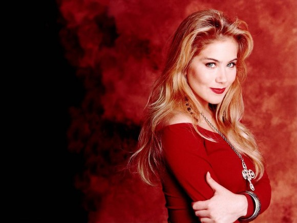 Kelly Bundy outfits - fashion Icon of the '90s